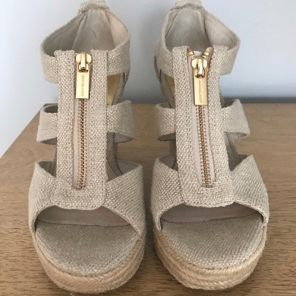 0224dcb5994 MICHAEL KORS Berkley Platform Wedge Sandals. M 5ab61197a44dbea257b82d59